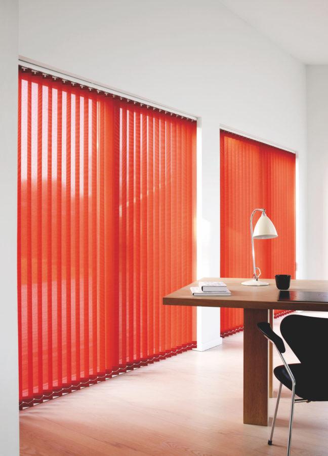 teba-lamellenvorhang-arbeitszimmer-rot